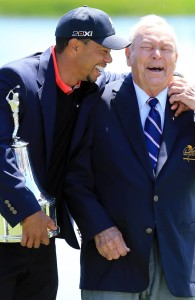 Tiger & Arnie share a laugh